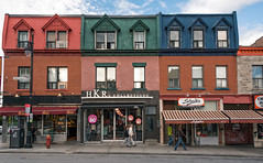 3899-3907 Boul St Laurent, Montreal, Quebec, Canada (lumierefl) Tags: montreal quebec canada can northamerica frenchcanada architecture building 2part residential apartment commercial business retail shop store storefront 1890s 1900s 19thcentury 20thcentury
