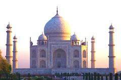 The Taj Mahal at sunrise (Heaven`s Gate (John)) Tags: tajmahal taj agra india sunrise clear sky blue towers minarets dome mughal muslim mausoleum johndalkin heavensgatejohn architecture art worldheritagesite heritage marble icon 10faves