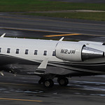 WB AIR TWO / Bombardier Challenger 605 / N2JW thumbnail