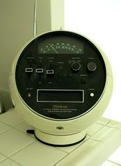 Vintage Weltron AM/FM Radio 1971 (hmdavid) Tags: vintage weltron amfm radio 8track 1970s 1971 space modern 2001
