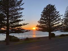 Kaikoura sunrise (Craigs Travels) Tags: sunrise kaikoura newzealand bay water