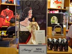 2018 Disney Designer Collection Premiere Series - Merchandise In Store Release - 2018-09-28 - Snow White Merchandise Display - Wide View (drj1828) Tags: disneystore disneydesignercollection premiereseries promo storedisplay 2018 merchandise colourpop doll limitededition snowwhiteandthesevendwarfs snowwhite