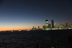 IMG_2508 (Mud Boy) Tags: nyc newyork manhattan lowermanhattan batteryparkcity downtown pieraharborhouse bar sprawlingplacewithalargepubofferingcraftbeersrawbaritemsothercasualeats 22batteryplnewyorkny10004usa sunset
