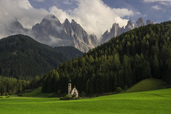 la  chiesetta (Paolo Dell'Angelo (JourneyToItaly)) Tags: sangiovanniinranui odle valdifassa provinciadibolzano trentinoaltoadige italia dolomites italy landscape