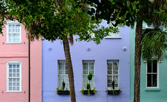 Rainbow Row, Charleston, South Carolina (Luke Robinson) Tags: 2018 usa southcarolina charleston summer sunny tourism tourist southeast downtown historic history civilwar architecture