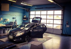 Car Detailing (PEEJ0E) Tags: outside inside wash car ontario hamilton suds se focus ford