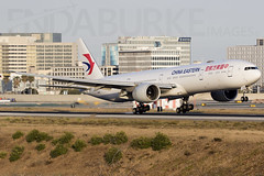 China Eastern B2023 17-5-2018 (Enda Burke) Tags: b2023 avgeek aviation airport losangeles klax lax runway travel landing boeing boeing777300 boeing777300er china chinese chinaeastern canon canon7dmk2 taxiing