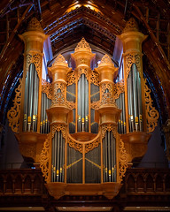 Got Pipes? (Fret Spider) Tags: pipes organ church catholic chicagoopenhouse diocese chicago downtown holynamecathedral music wood oak ze dslr otus1455ze otus1455 distagonotus5514ze zeiss canoneos5dsr manuallens wideopen handheld