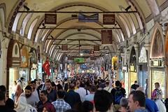 ISTANBUL - GRAND BAZAAR (Maikel L.) Tags: kapalıçarşı turkish turkey türkiye türkei europa europe istanbul fatih basar bazaar grandbazaar people crowd packed shopping einkaufen groserbasar oriental orient souk urban city stadt