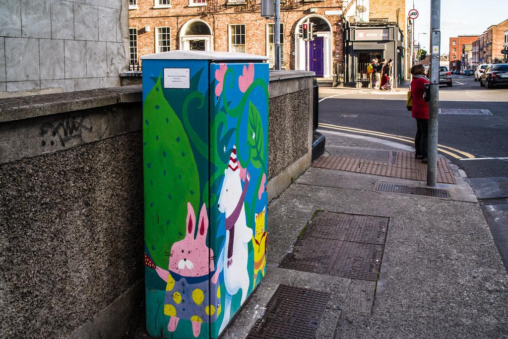 PAINT-A-BOX STREET ART BY JENNY CLEARY [TEMPLE STREET NEAR MOUNTJOY SQUARE DUBLIN]-144909
