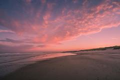 Oostkapelle (Omroep Zeeland) Tags: oostkapelle strand ochtend zee noordzee manteling wolken