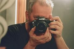 IO e la camera analogica. (michele.palombi) Tags: michele palombi analogic shot film 35mm fujifilm natura1600asa