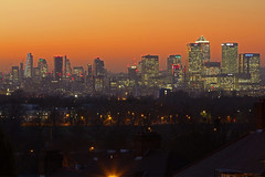 Le mille torri / A thousand towers (London skyline from Shooter's Hill, London, United Kingdom) (AndreaPucci) Tags: london uk shootershill sunset canarywharf cityoflondon andreapucci