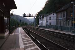 Bahnhof Schöna (MarieHM) Tags: sächsische schweiz leica iiic bahnhof schöna