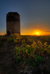 Atardecer Axárquico ... (Fran-Garrido) Tags: nikon d750 paisaje torre ruina puestadesol atardecer irix15mmf24 fb tw 500px torredelaatalaya
