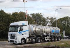AY15MYZ . (AndrewHA's) Tags: cambridgeshire ely railway station level crossing lorry truck harveyson haulage norwich norfolk mercedes benz actros non hazardous bulk tanker trailer ay15myz white blue liquid waste disposal road traffic