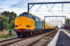 37612 + 37610 - Waterbeach - 10/09/18. (TRphotography04) Tags: hn rail on hire colas br small logo 37610 37612 thrash past waterbeach working 1q90 1353 derby rtcnetwork ferme park recp this was first run for after feburary 2017 where it removed from traffic sold harry needle
