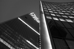 Scalpel/Willis (cybertect) Tags: canonfd55mmf12aspherical cityoflondon ec3 fosterpartners kohnpedersenfox london londonec3 normanfoster sonya7ii thescalpel willisbuilding architecture blackwhite blackandwhite building monochrome night skyscraper