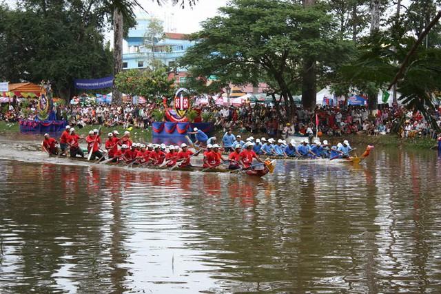 【11月22日限定】水祭りと灯篭流し(海外のお祭りのオプショナルツアー)