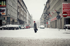 Personal Cinema; Crossings (ewitsoe) Tags: winter zima cold snow snowing personalcinema blog erikwitsoe poznan pland nikon lady crossing street urban cityscape weather ewitsoe d8035mm archivework