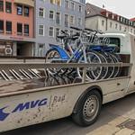 Leihfahrräder auf einem Anhänger thumbnail