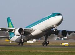Aer Lingus                                    Airbus A330                                           EI-FNH (Flame1958) Tags: aerlingus aerlingusa330 a330 330 airbus airbusa330 eifnh dub eidw dublinairport 250117 0117 2017 ireland travel flight flying aircraft aeroplane 2809