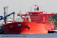 Signal Maya (andreasspoerri) Tags: hyundaisamhoulsan imo9773923 malta rotterdam signalmaya tanker