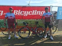 We hebben het gehaald! 31,1km/u gemiddeld. Bedankt voor de startnummers @bicyclingnl ! #alpecincycling #mycanyon #zippwheels #bicyclingnl #tacxclassiczeeland #tacxclassic