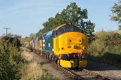 37407 Garvestone 23/10/18 - 37407 leads a bizarre combination of 37602, 2 RHTT wagons, 37259, a flat wagon, two Seacows and 47367. The 3 37's were returning to the main line after servicing on the MNR, while the rear of the train was left at Hardingham. (rhayward92) Tags: 37407 class 37 drs direct rail services 6z31 37602 37259 47367 br british large logo rhtt head treatment train