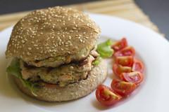 Salmon hamburger with Cajun spices (Luca Nebuloni) Tags: salmon hamburger cajun spices mangiaconme cibo food