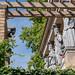 Potsdam: Karyatiden an der Loggia des Winzerhauses auf dem Winzerberg - Caryatides on the loggia of the Winegrower's House on the Vineyard (riesebusch) Tags: potsdam winzerberg