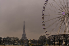 Paris is Love (baridue) Tags: paris parigi francia pioggia raining parco ruotapanoramica