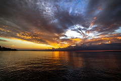 JPK_1234 (jeanpierrekechichian) Tags: mer couleur canon bord de feu paysage nuage soleil matin jaune bleu