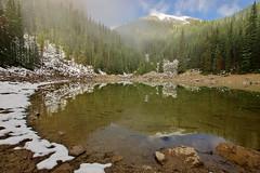 Mirror Lake (Banff NP, Canada) (armxesde) Tags: pentax ricoh k3 canada kanada banff banffnationalpark rockymountains alberta mountain berg lake see wasser water spiegelung reflection mirrorlake nebel mist fog schnee snow
