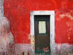 (anaritaperalta) Tags: porta construção casa parede arquitetura