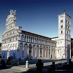 San Michele in Foro, Lucca, Italia (pom'.) Tags: panasonicdmctz101 april 2018 lucca toscana tuscany italia italy europeanunion architecture piazzasanmichele sanmicheleinforo 100 200 300