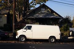 Van (Curtis Gregory Perry) Tags: portland oregon van white vehicle dodge house sellwood nikon d810 automóvil coche carro vehículo مركبة veículo fahrzeug automobil