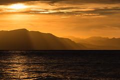 Golden layers (tom.leuzi) Tags: canonef70200mmf4lisusm canoneos6d italia italien italy landschaft meer sicilia sicily sizilien sonnenuntergang wasser landscape nature sea sunset telezoom water