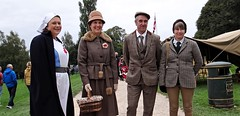 Back to the 40s. Sept 2018 (SimonHX100v) Tags: ruffordabbey 1940sweekend nottingham nottinghamshire army 1940 1940s worldwarii secondworldwar nostalgia livinghistory reenactment britisharmy britishmilitary vintage americanarmy woman women girl girls lady ladies female females candid fashion style people person groupshot crowd couple event portrait face faces hat hats cap caps history historic war simonhx100v sonyhx100v hx100v homefront