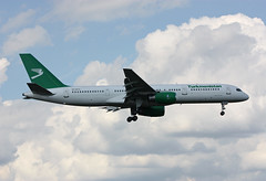 EZ-A014 Boeing 757-22K Turkmenistan Airlines (corkspotter / Paul Daly) Tags: eza014 boeing 75722k b752 30863 952 l2j frdp 601849 tua t5 turkmenistan airlines 2001 20010130 lhr egll london heathrow