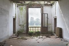 Villa Tassidermia (Sean M Richardson) Tags: abandoned villa italia decay canon photography exploration urbex adventure ruins architecture green