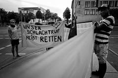 . (Thorsten Strasas) Tags: aktivisten austria berlin besuch blockade bundeskanzler bundeskanzleramt ertrunkene kundgebung mitte oesterreich schild schwarzweiss sebastiankurz seebruecke seenotrettung transparent activists banner drown flashmob noborders nofrontex offenegrenzen openborders protest rally refugees refugeeswelcome sign visit övp germany de
