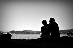 Los Amantes (Osruha) Tags: combarro pontevedra galicia españa espanya spain amantes amants lovers romanticismo romanticisme romanticism amor love blackandwhite blancoynegro blancinegre bw bn bnw nikon nikonistas d750 nikond750 paisaje paisatge landscape silueta silhouette