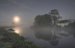 The Misty Moon (Captain Nikon) Tags: fullmoon moon lunar mist misty atmospheric moody reflections cottage morning moonlight riversoar nottinghamshire zouch river nikon england