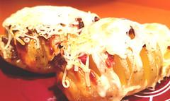 Patatas Hasselback con queso y bacon al horno (tone_michel) Tags: recetas de cocina