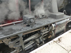 P1090166 - 2018-07-29 - Day 2 - Strathspey Steam Railway - 46464 (GeordieMac Pics) Tags: ©2018georgemcvitieallrightsreserved scotland railway strathspey steam linux panasonic fz200 locomotive engine 46464 ivatt class2 dmc drivinggear