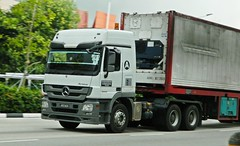 Mercedes Benz Actros MP3 3344 tractor head (cranefans4356) Tags: mercedes benz actros mp3 tractorhead primemover malaysia singapore truck