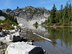 Minotaur Lake (Go4Hike) Tags: minoutaurlake hiking hikingwashington washingtonhiking autumnhiking nature landscape trail washingtontrails pacificnorthwesthiking pacificnorthwest stevenspass minotaur minotaurlake mountains minotaurlaketrail lakes stevenspasshiking septemberhiking autumnhikinginwashington centralcascades lakehiking