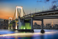Rainbow Bridge Cityscape (Suzuki san) Tags: tokyo japan rainbowbridge dusk cityscape longexposure