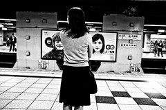 Underground moment (Victor Borst) Tags: geel street streetphotography streetlife reallife real realpeople asia asian asians faces face candid travel travelling trip traveling traffic urban urbanroots urbanjungle blackandwhite bw mono monotone monochrome metro subway sub tokyo japan japanese city cityscape citylife fuji fujifilm expression xpro2